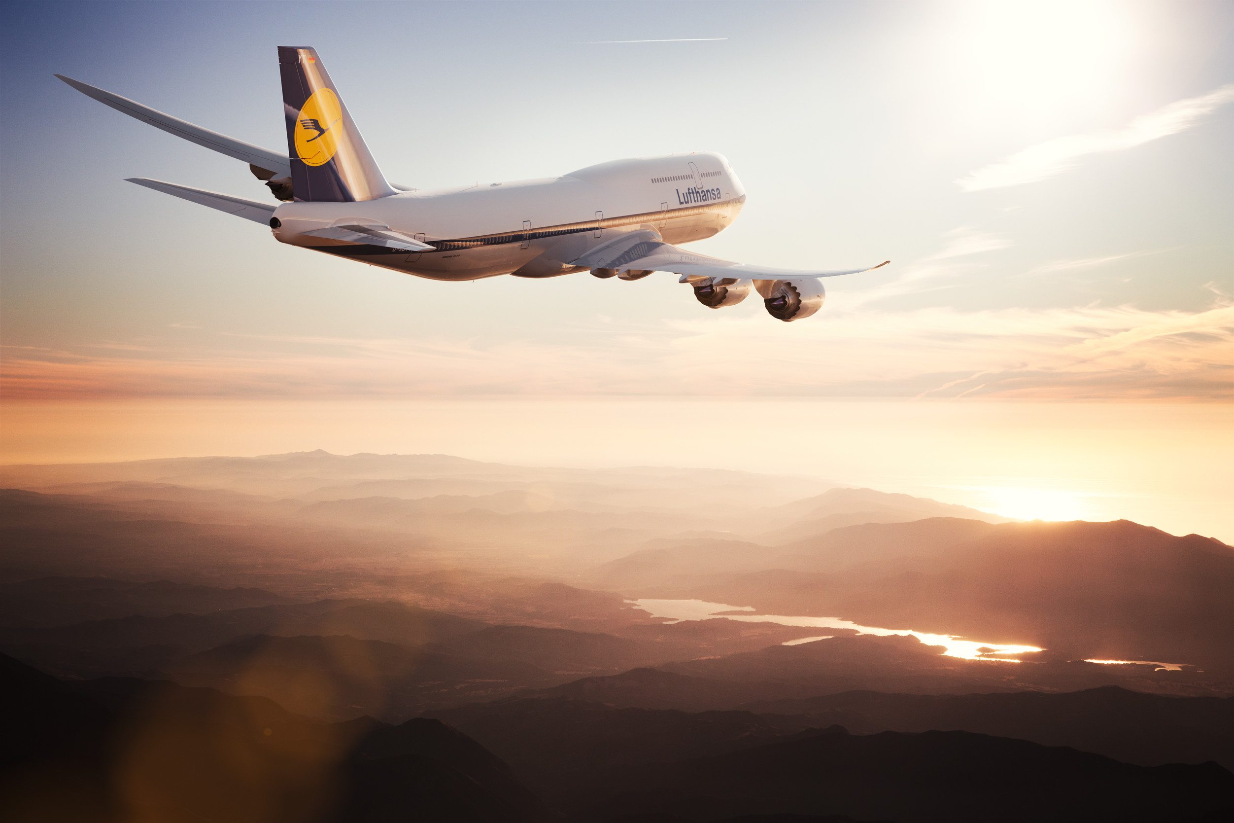 lufthansa airlines Lufthansa operates over 6,000 weekly flights to 207 destinations in 82 countries  worldwide together with partner airlines such as air canada, austrian airlines,.